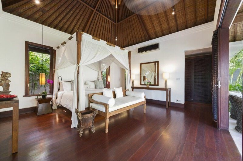 Bedroom with Seating Area - Villa Jagaditha - Seseh, Bali