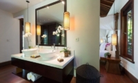 Bedroom and En-Suite Bathroom - Villa Jagaditha - Seseh, Bali