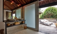 Bathroom with View - Villa Jempiring - Seminyak, Bali