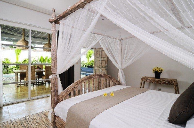 Four Poster Bed - Villa Jolanda - Seminyak, Bali