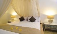 Bedroom with Table Lamps - Villa Jolanda - Seminyak, Bali