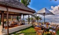Outdoor Dining Area - Villa jukung - Candidasa, Bali