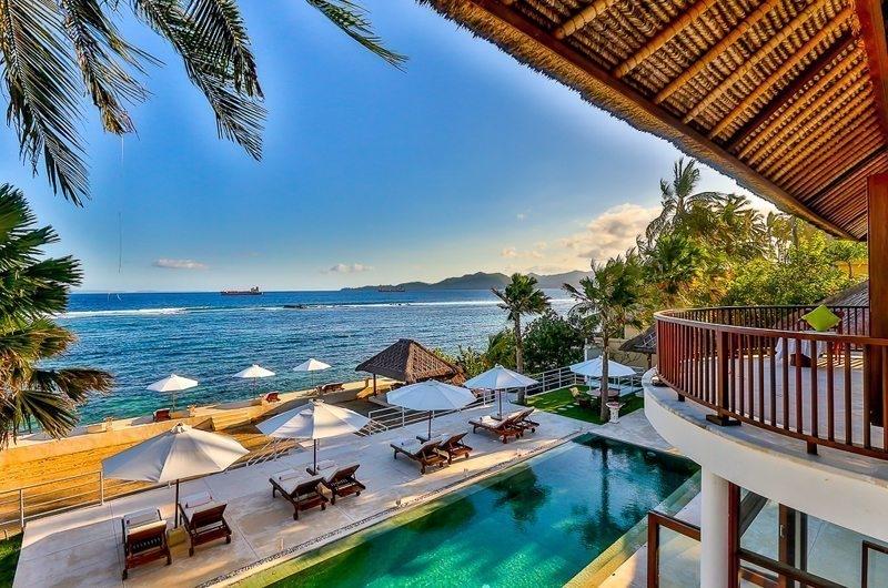 Gardens and Pool - Villa jukung - Candidasa, Bali