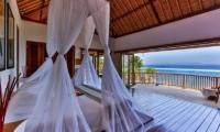 Bedroom with Sea View - Villa jukung - Candidasa, Bali