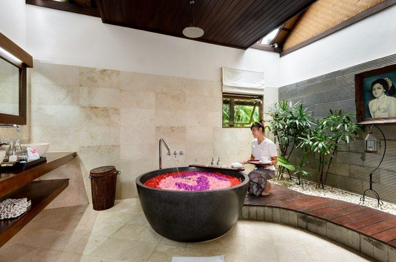 Romantic Bathtub Set Up - Villa Jumah - Seminyak, Bali