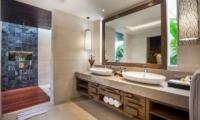 Bathroom with Mirror - Villa Kajou - Seminyak, Bali