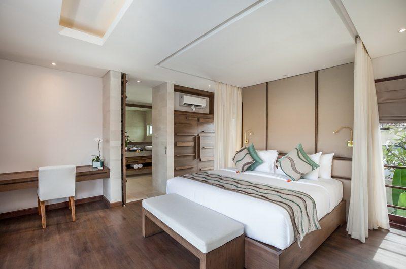 Bedroom with Study Table - Villa Kajou - Seminyak, Bali