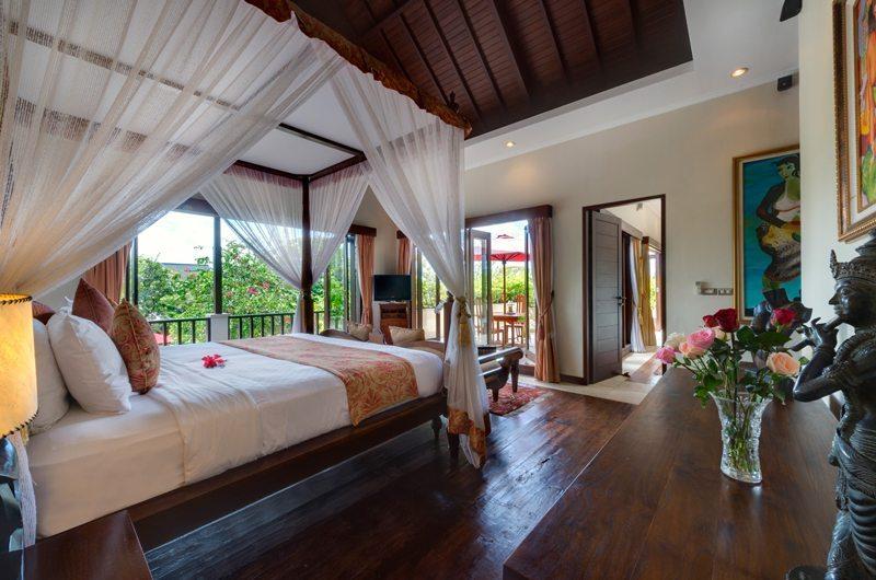 Spacious Bedroom with Wooden Floor - Villa Kalimaya - Seminyak, Bali