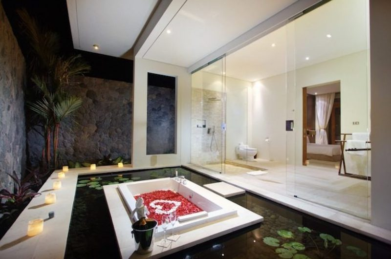 Romantic Bathtub Set Up - Villa Kalyani - Canggu, Bali
