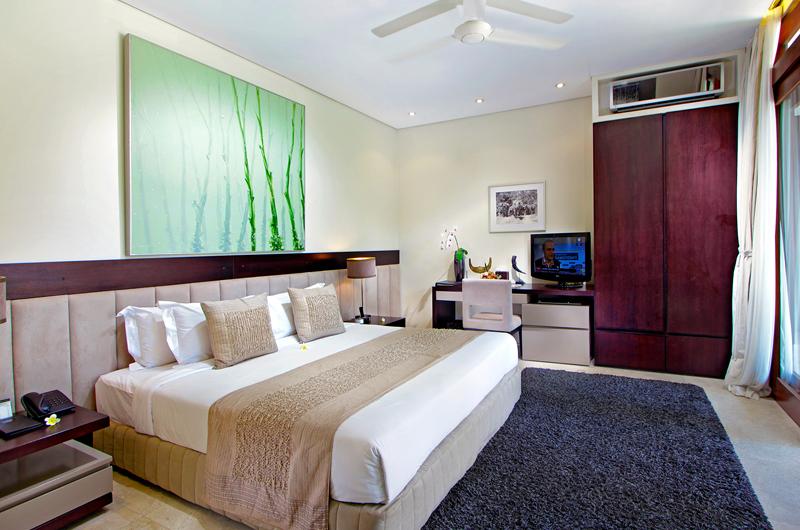 Bedroom with Study Table and TV - Villa Kalyani - Canggu, Bali