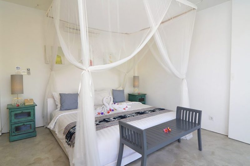 Bedroom with Mosquito Net - Villa Kami - Canggu, Bali