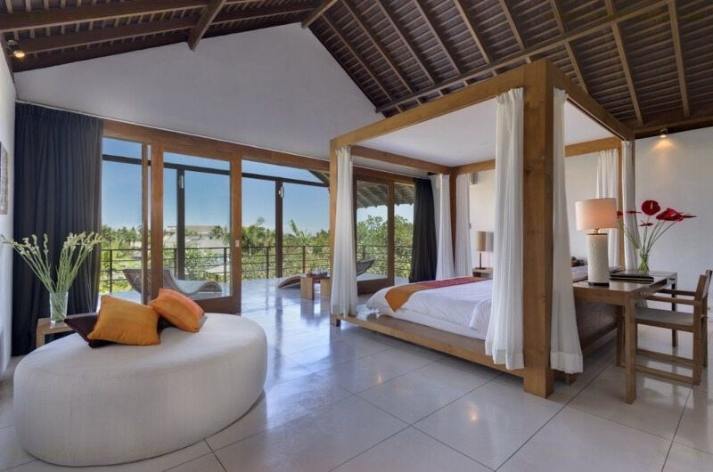Spacious Bedroom with Seating Area - Villa Kavya - Canggu, Bali