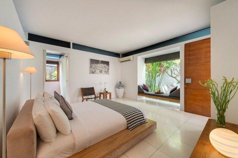 Bedroom with Seating Area - Villa Kavya - Canggu, Bali