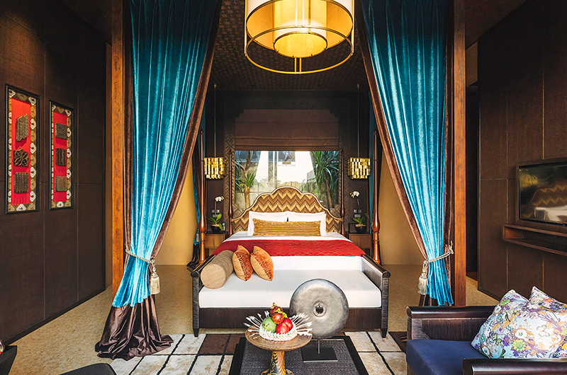 Bedroom with Seating Area and TV - Villa Kayajiwa - Canggu, Bali