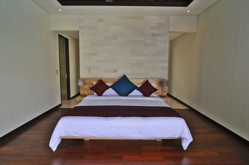 Bedroom with Wooden Floor - Villa Kejora 10 - Sanur, Bali