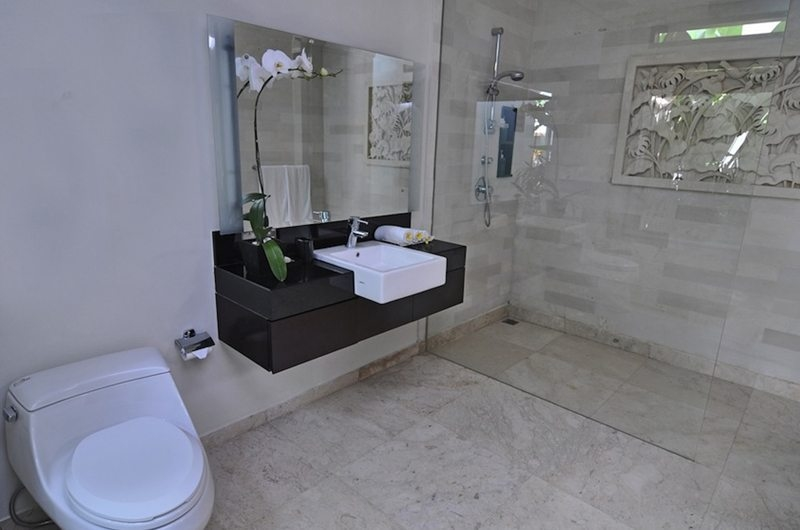 Bathroom with Shower - Villa Kejora 10 - Sanur, Bali