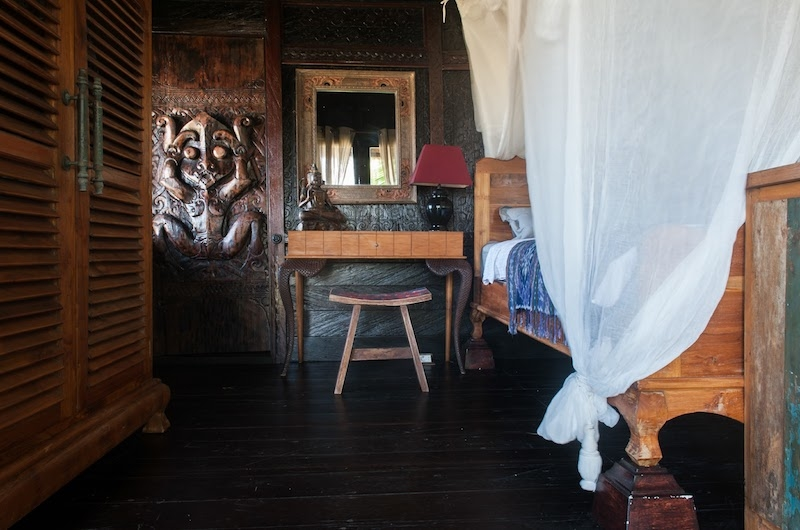 Bedroom with Wooden Floor - Villa Keong - Tabanan, Bali