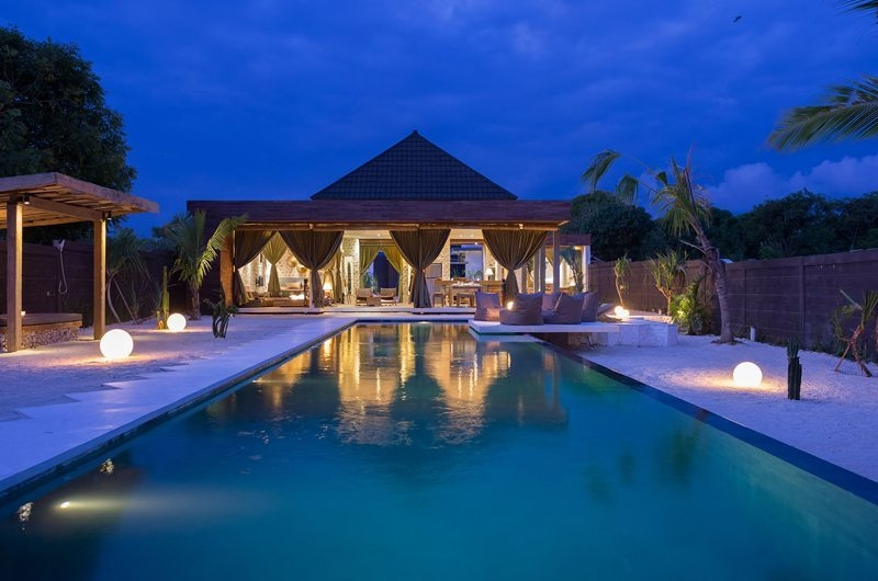 Pool at Night - Villa Kingfisher - Nusa Lembongan, Bali