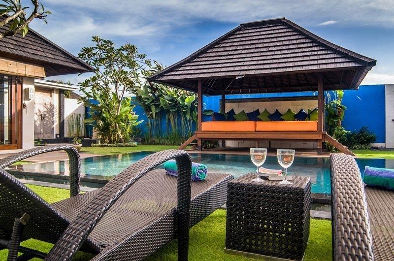 Sun Loungers - Villa Kirgeo - Canggu, Bali