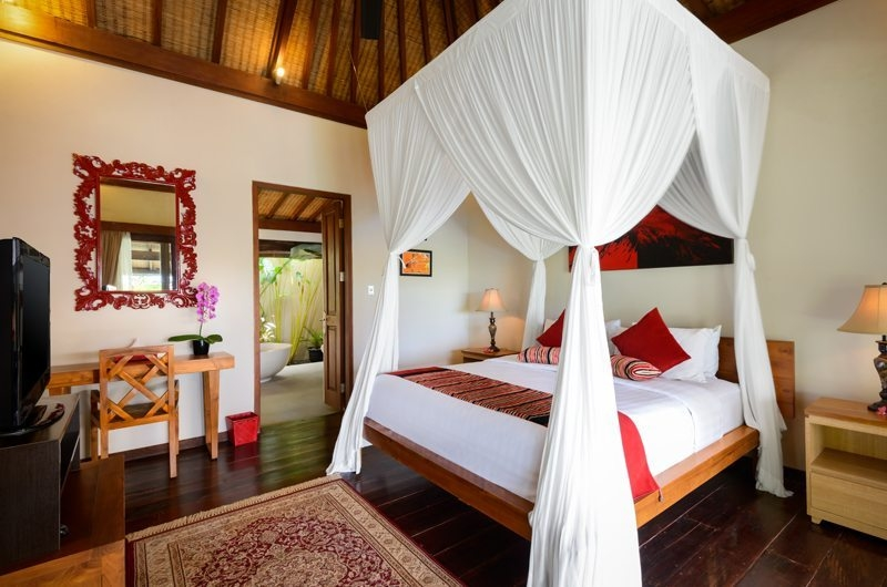 Bedroom with Mosquito Net - Villa Kubu Bidadari - Canggu, Bali