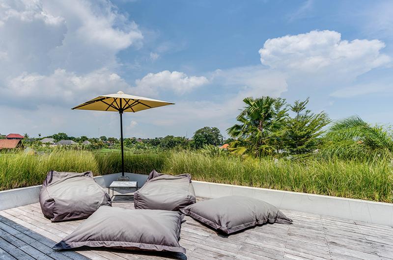 Outdoor Seating Area - Villa Ladacha - Canggu, Bali
