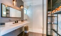 En-Suite Bathroom - Villa Ladacha - Canggu, Bali