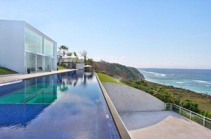 Gardens and Pool - Villa Latitude Bali - Uluwatu, Bali