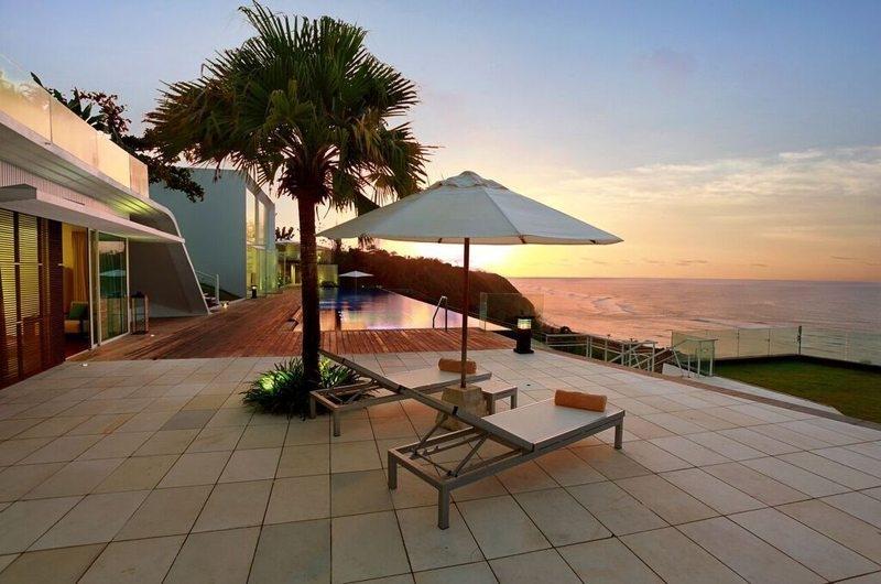 Sun Beds - Villa Latitude Bali - Uluwatu, Bali