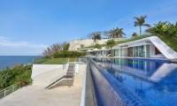 Swimming Pool - Villa Latitude Bali - Uluwatu, Bali