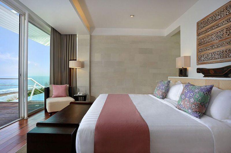 Bedroom and Balcony - Villa Latitude Bali - Uluwatu, Bali