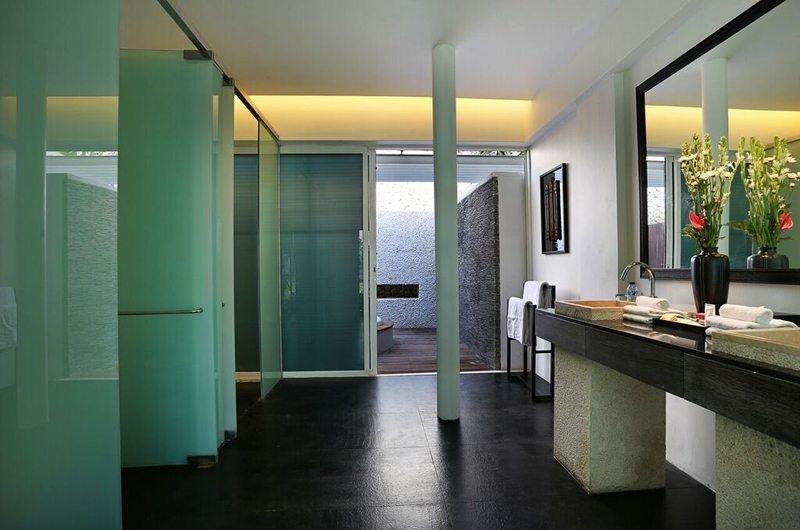 En-Suite Bathroom - Villa Latitude Bali - Uluwatu, Bali