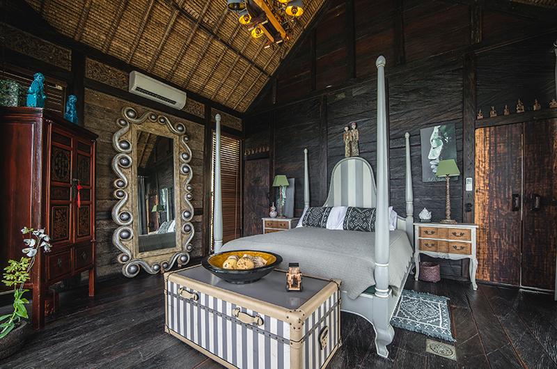 Bedroom with Mirror - Villa Laut - Tabanan, Bali