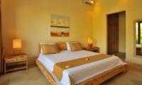 Bedroom with Mirror - Villa Lea - Umalas, Bali