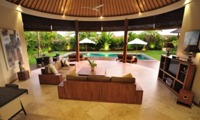 Indoor Living Area with Pool View - Villa Lea - Umalas, Bali