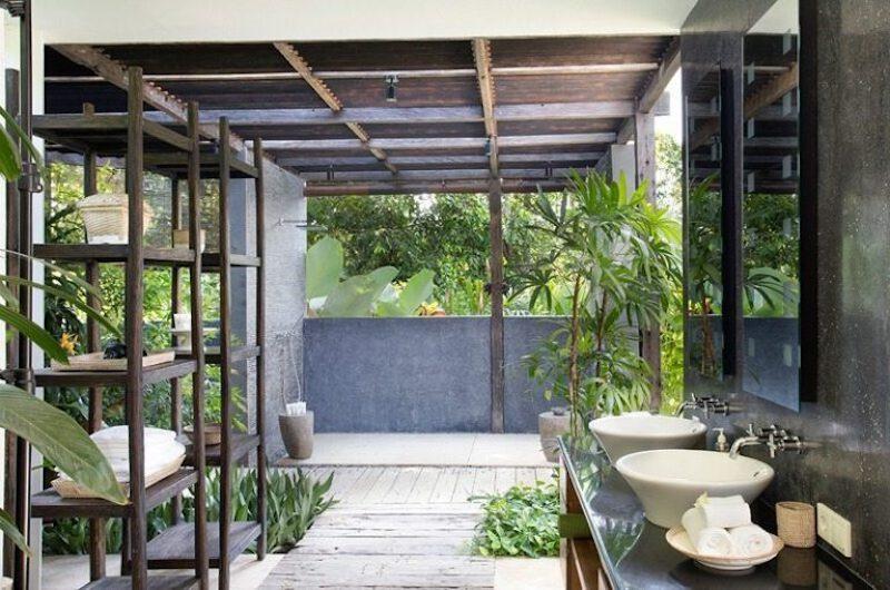 Semi Open His and Hers Bathroom - Villa Levi - Canggu, Bali