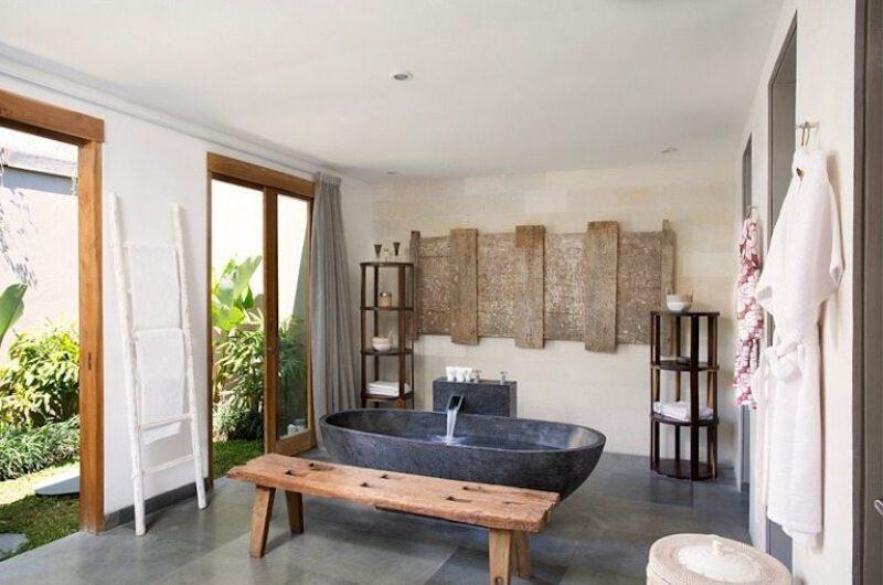 Bathtub - Villa Levi - Canggu, Bali