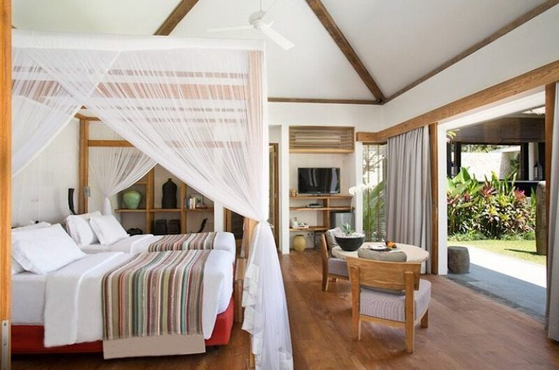 Twin Bedroom with Wooden Floor - Villa Levi - Canggu, Bali