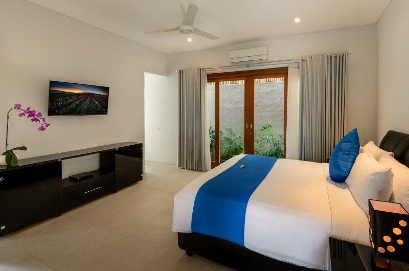 Bedroom with TV - Villaley - Seminyak, Bali