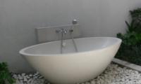 Bathtub - Villaley - Seminyak, Bali