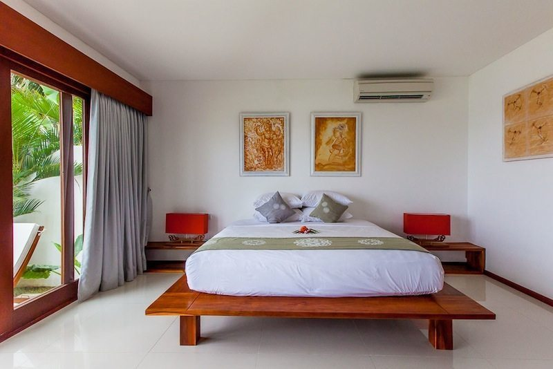 Bedroom with Table Lamps - Villa Lucia - Candidasa, Bali