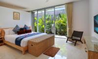 Bedroom with TV - Villa Luna Aramanis - Seminyak, Bali