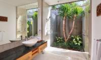 Semi Open Bathroom with Shower - Villa Luna Aramanis - Seminyak, Bali