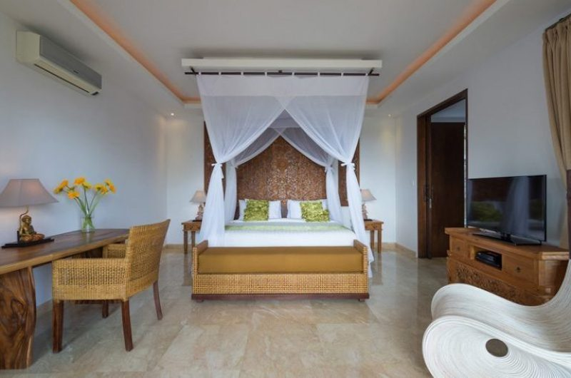 Bedroom with Study Table and TV - Villa Luwih - Canggu, Bali