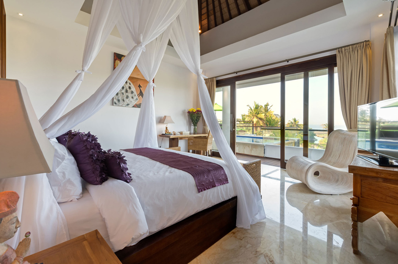 Bedroom with Seating Area and TV - Villa Luwih - Canggu, Bali