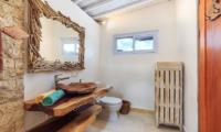 En-Suite Bathroom - Villa Madura - Seminyak, Bali