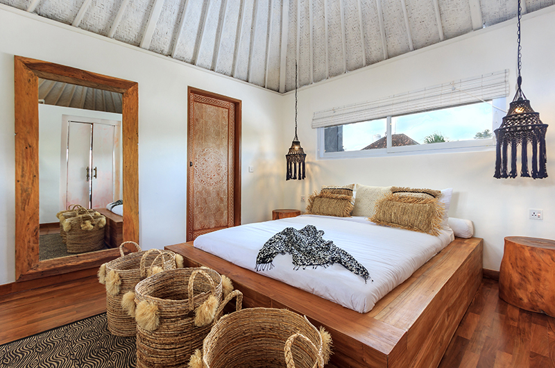 Bedroom with Wooden Floor - Villa Madura - Seminyak, Bali
