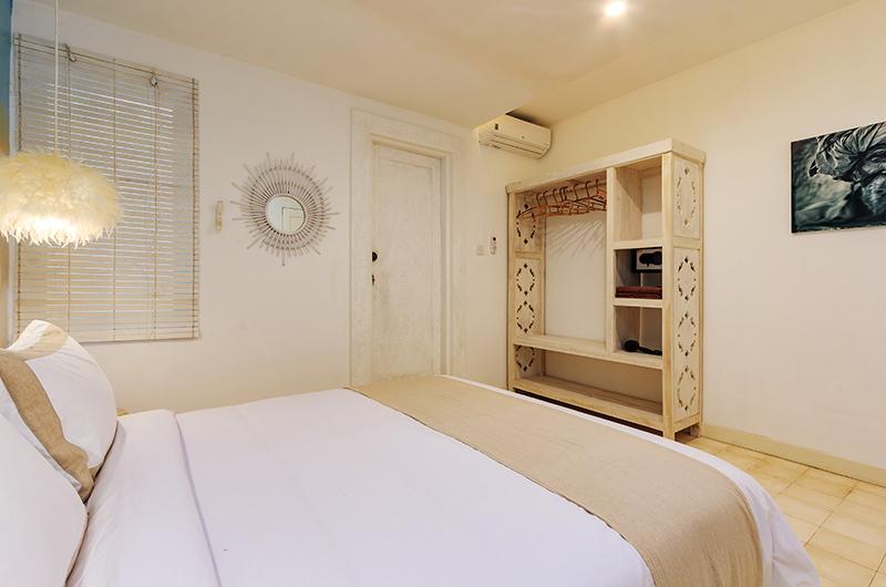 King Size Bed - Villa Madura - Seminyak, Bali