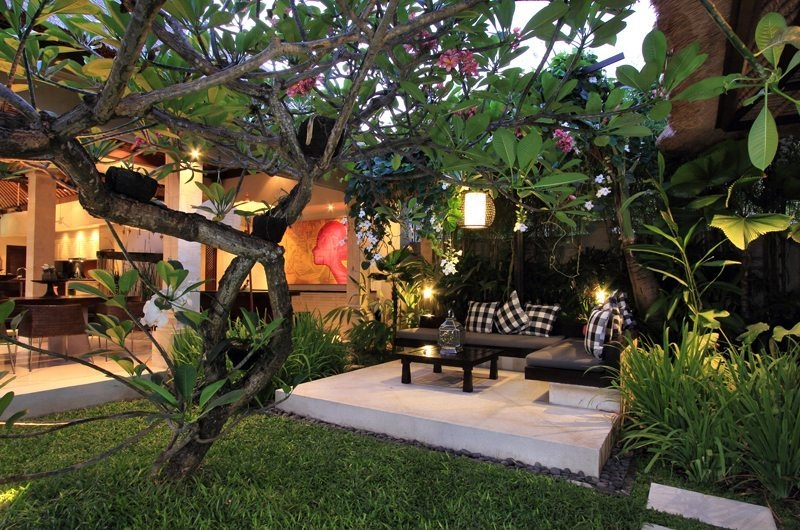 Seating Area with Garden View - Villa Maju - Seminyak, Bali