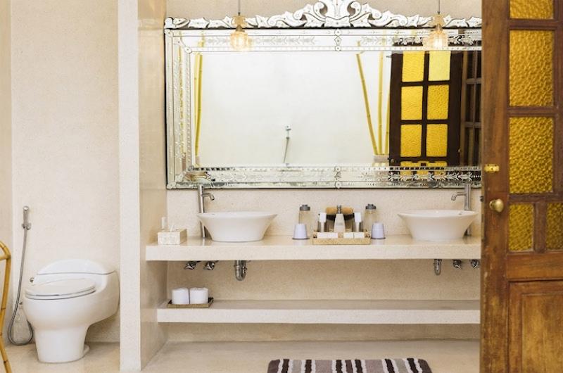 His and Hers Bathroom with Mirror - Villa Mako - Canggu, Bali