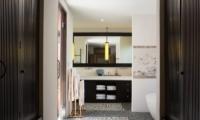 En-Suite Bathroom - Villa Mamoune - Umalas, Bali